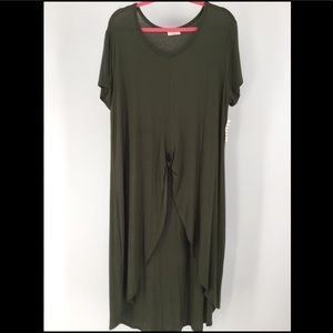 Free Kisses 3X  hi-lo Olive short sleeve blouse